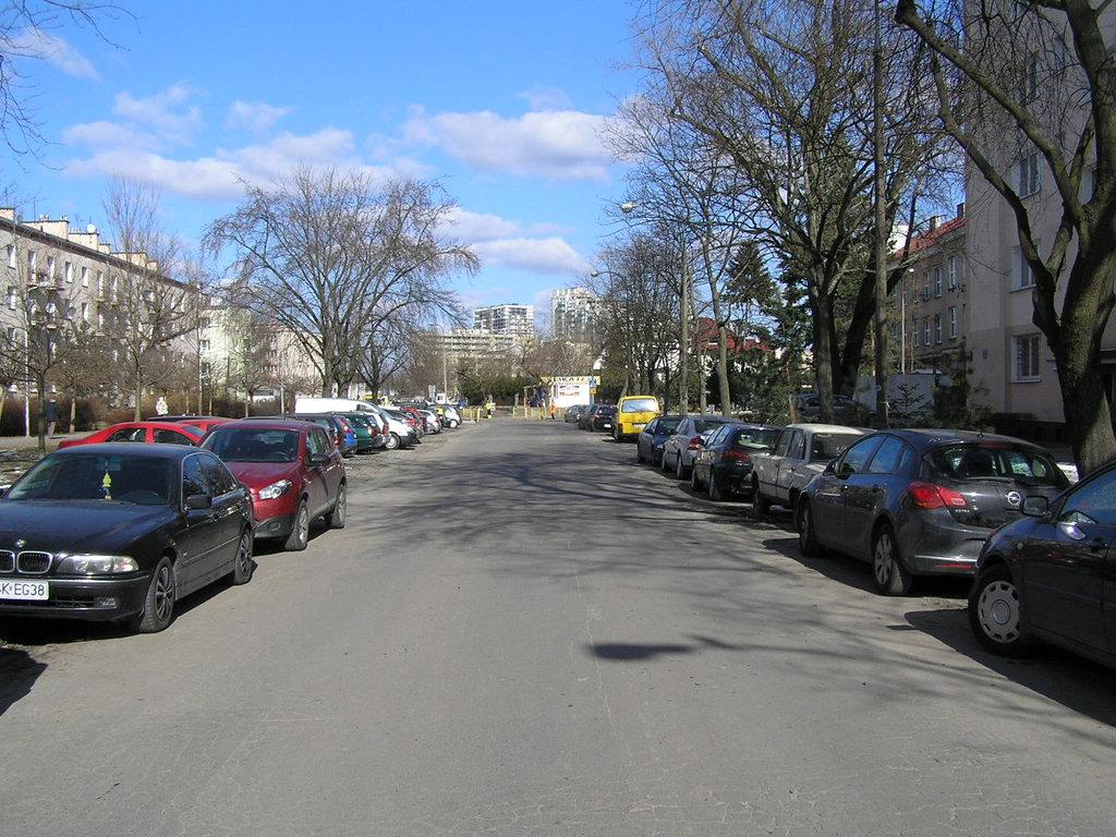 Ulica Białowieska wWarszawie