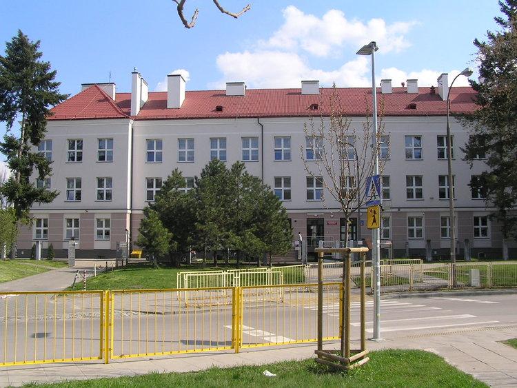 Białowieska 22 szkoła nr 246 wWarszawie