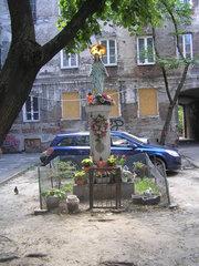 Kapliczka murowana przy ulicy Brzeskiej 11 wWarszawie