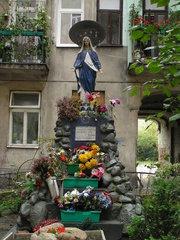 Kapliczka przy Brzeskiej 17A wWarszawie