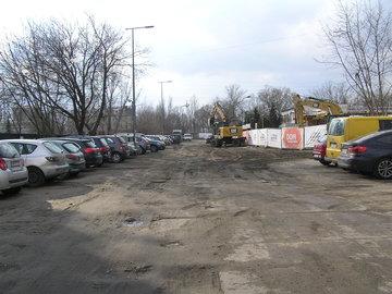 Gruntowa ulica Drwęcka wWarszawie