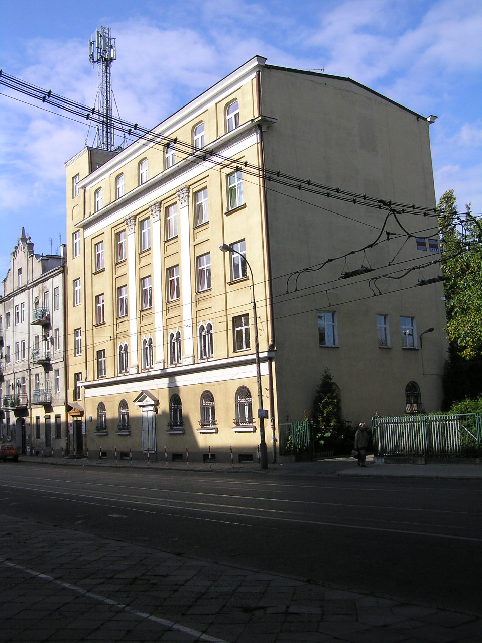 Kawęczyńska 49 - Dom Caritasu