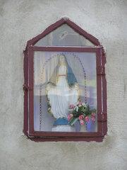 Kapliczka przy Liwieckiej 12 wWarszawie