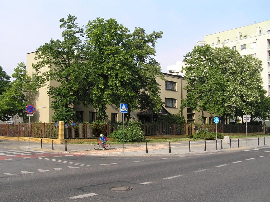 Łukowska 25 - Dom Dziecka nr 4 wWarszawie