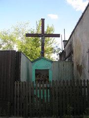 Krzyż przy ulicy Okrzei 18 wWarszawie