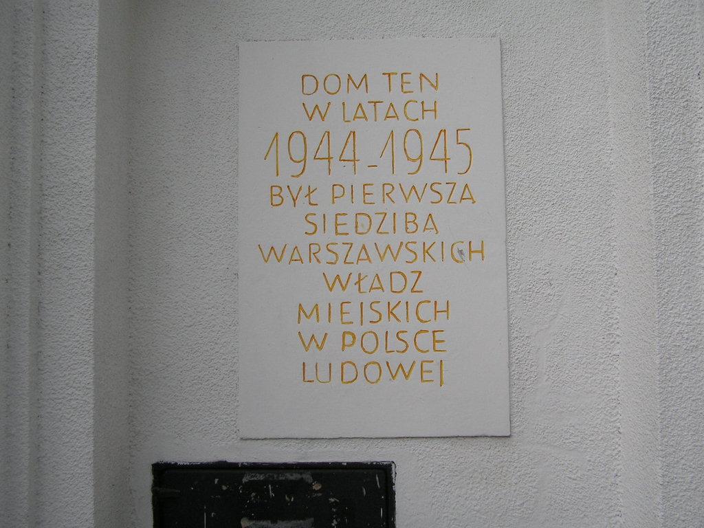 Tablica pamiątkowa przy Otwockiej 3 na Pradze