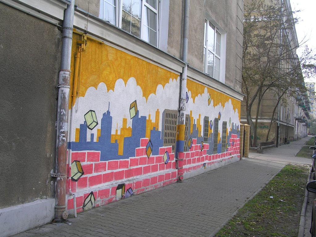Mural przy Otwockiej 3 na Pradze