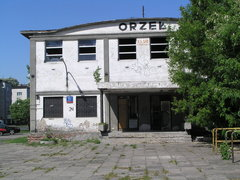 Podskarbińska 11 - Hala Sportowa