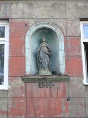 Środkowa 25 - figura Matki Bożej