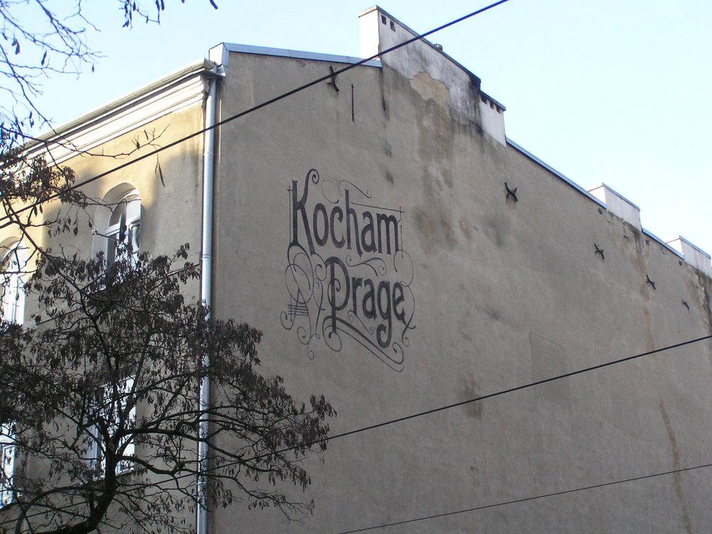 Mural Kocham Pragę