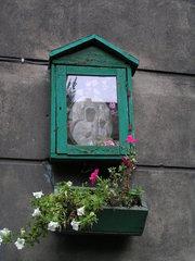 Kapliczka przy Wileńskiej 59 wWarszawie