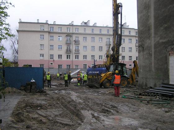 Początek prac budowlanych przy Lubomira 6