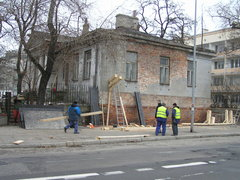 Trwa zabezpieczanie Dworku Szuszkiewicza