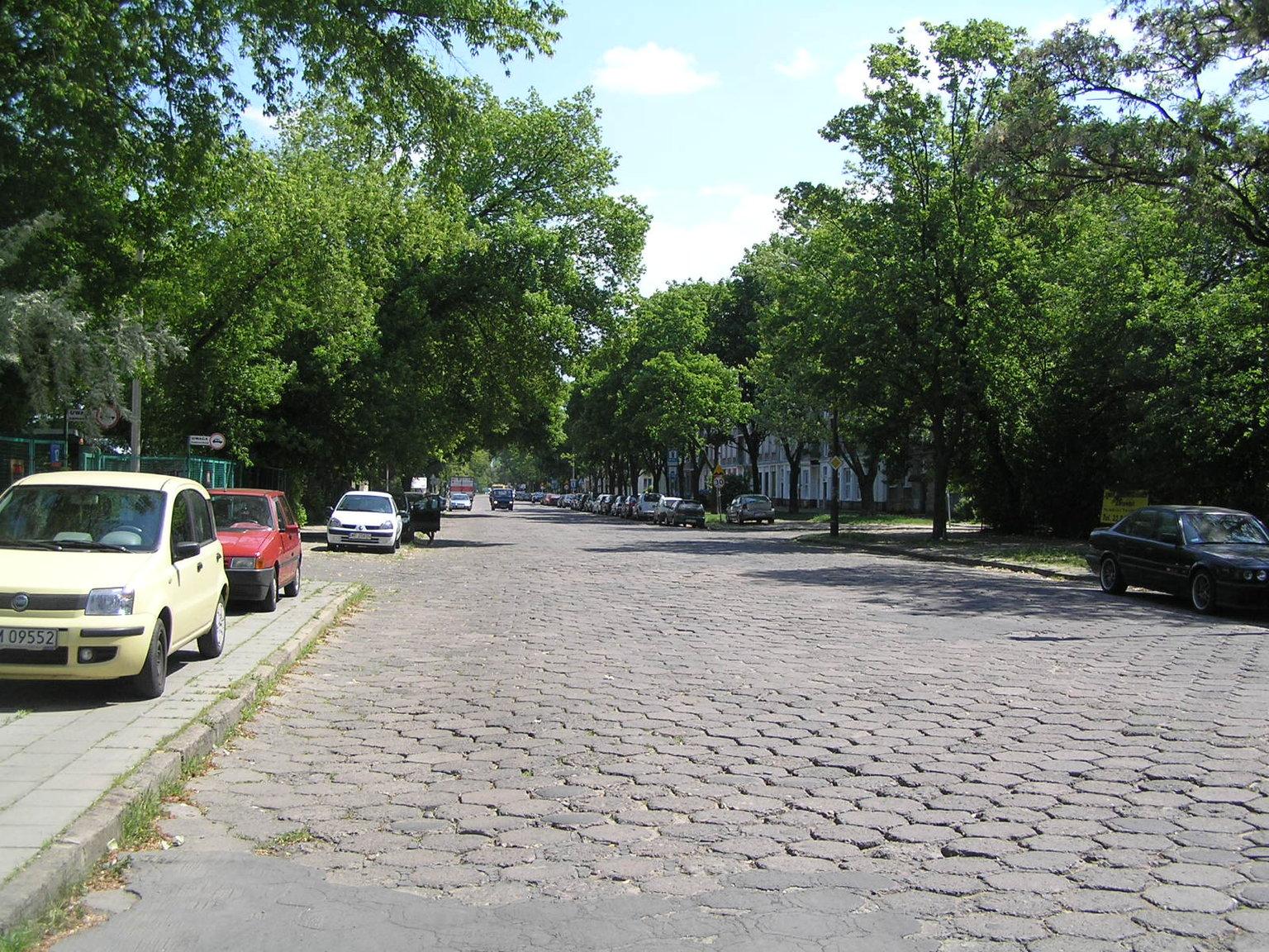 Ulica Chrzanowskiego wWarszawie