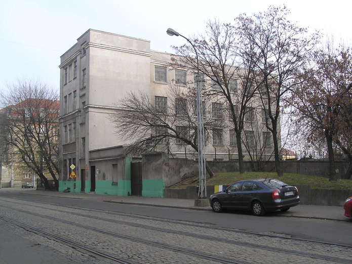 Kawęczyńska 12 - Gimnazjum nr 69