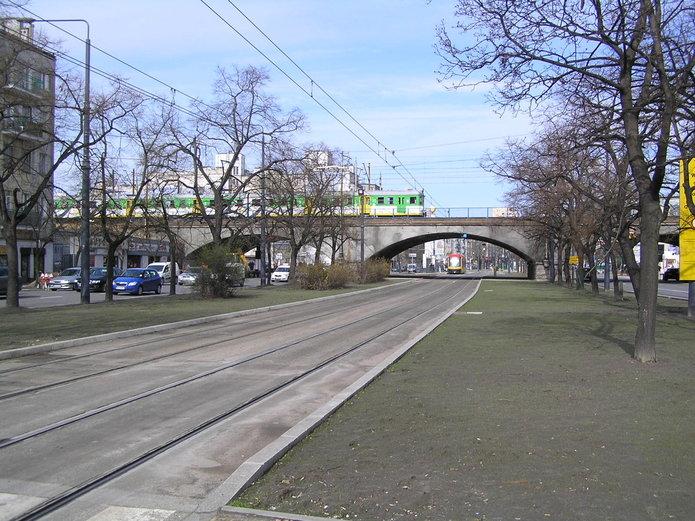 Wiadukt kolejowy na Targowej