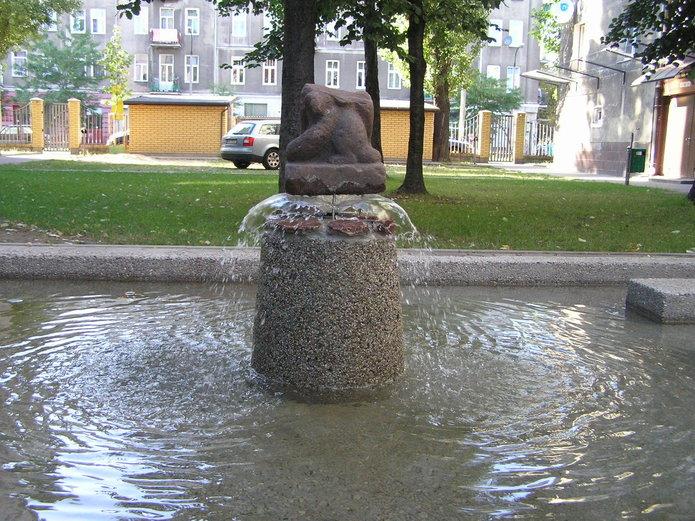 Wileńska 12 - fontanna
