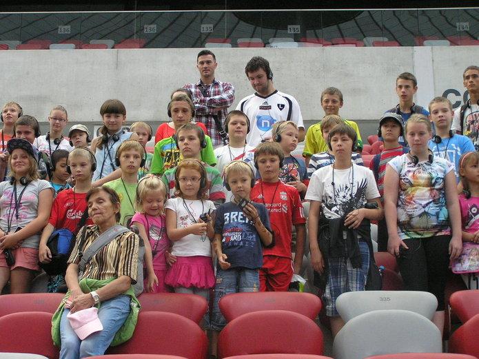 Dzieci na Stadionie Narodowym wWarszawie