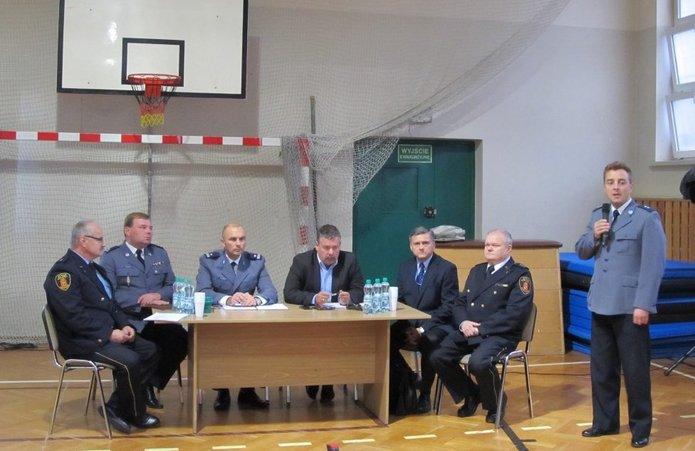 Spotkanie na Pradze Północ. fot. www.pragapn.policja.waw.pl