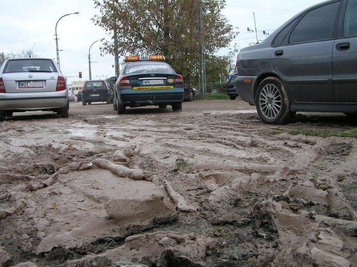 Parking przy pętli tramwajowej na Gocławku