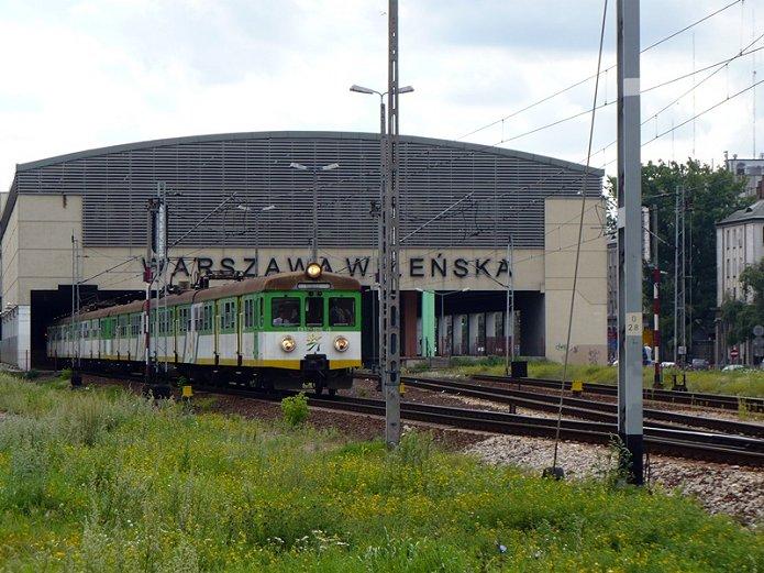 Głośne sygnały dzwiękowe pociągów