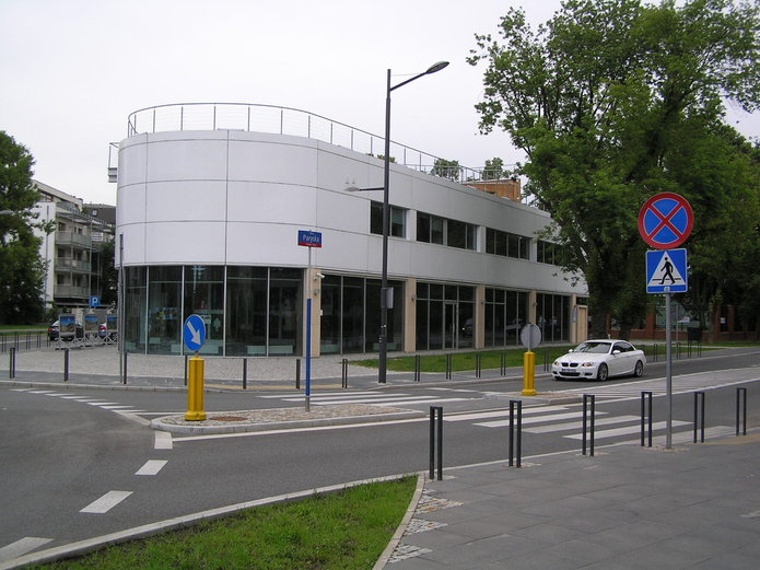Budynek Klubu Kultury Saska Kępa