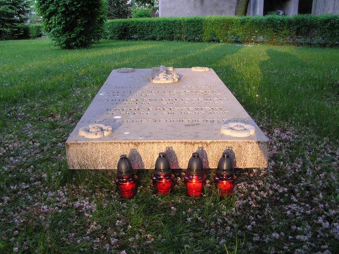 Grób rodziny Baliszewskich na Cmentarzu Kamionkowskim