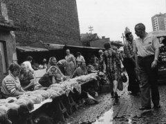Handel na Bazarze Różyckiego, fot. J. Woropiński