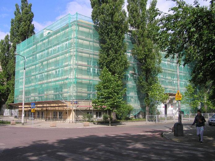 Budynek szkoły przy Otwockiej 3