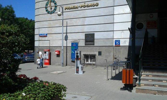Stacja naprawy rowerów - fot. Pełnomocnik Prezydenta m.st. Warszawy ds. komunikacji rowerowej