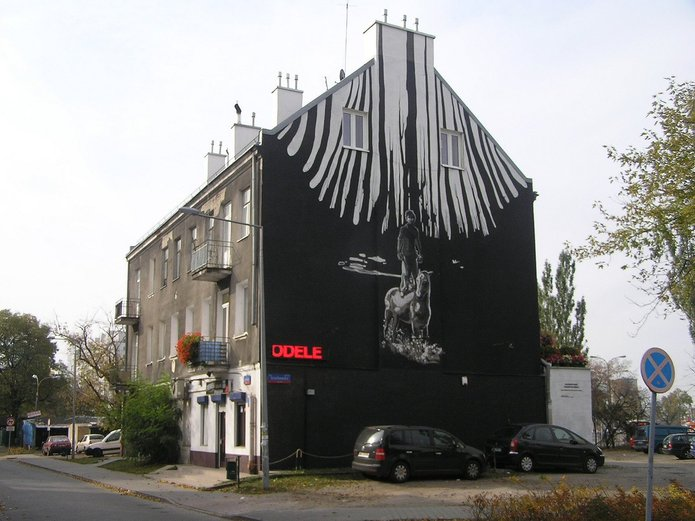 Męcińska 42 - Mural pamięci holocaustu Romów
