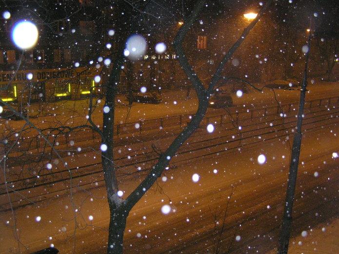 Ulica Grochowska zimą