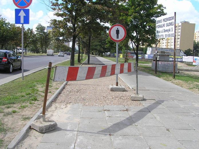 Budowa ścieżki rowerowej na Ostrobramskiej