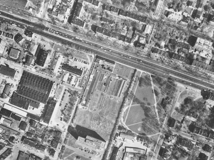 Gospodarstwo Zajdla na Grochowie, fot. http://www.mapa.um.warszawa.pl/mapaApp1/mapa?service=mapa_historyczna
