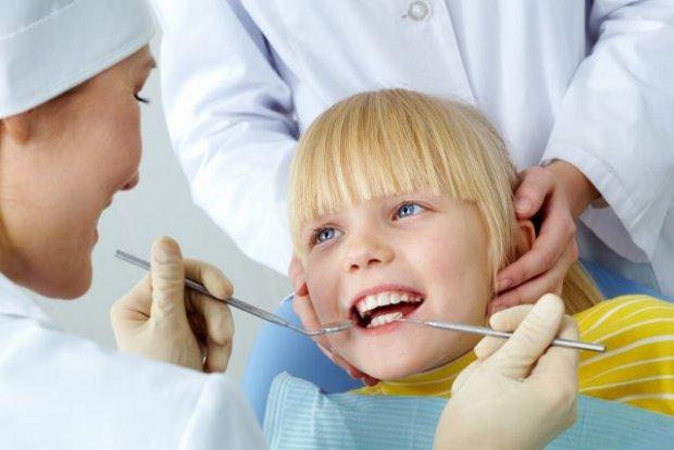 Jak przekonać dziecko do wizyty u stomatologa?