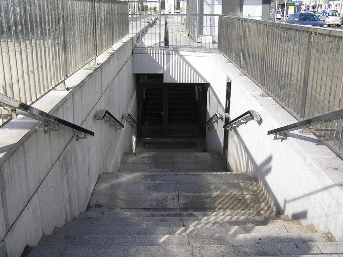 Miejski szalet na Placu Szembeka