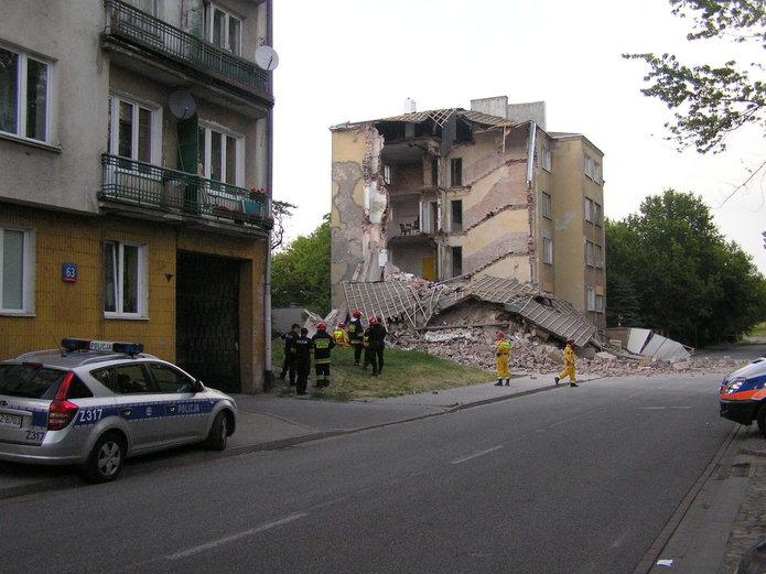 Zawaliła się kamienica przy Kawęczyńskiej 67