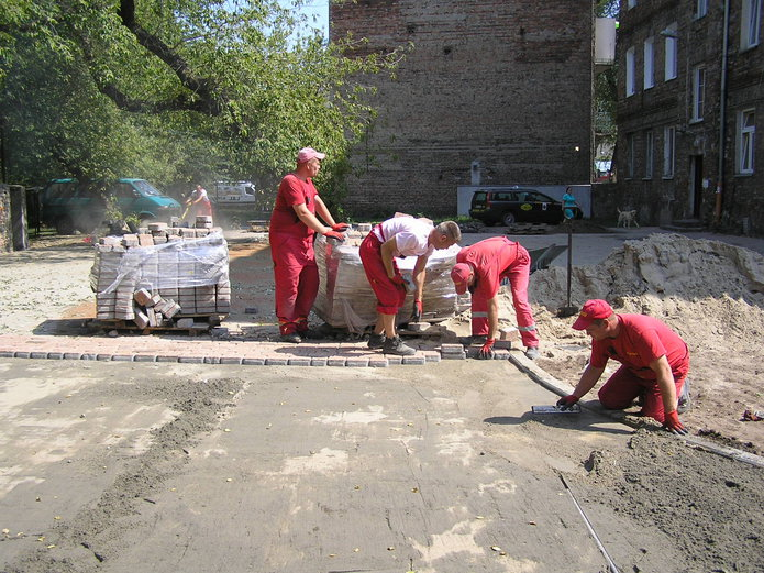 Remont podwórka na Łomżyńskiej 27