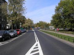 Ulica Namysłowska zazylami dla pieszych