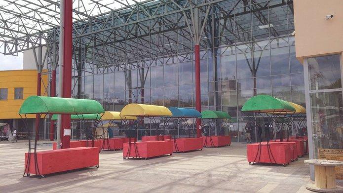 Kolorowe stoiska, fot. facebook.com/CentrumHandloweSzembeka