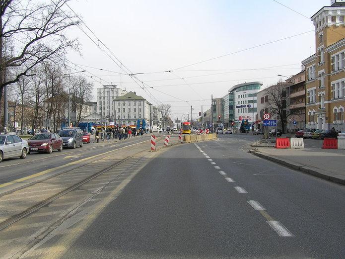 Przebudowa torowiska wal. Solidarności na Pradze