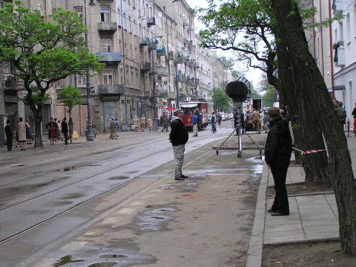 Sceny wfilmu Miasto 44 na Stalowej