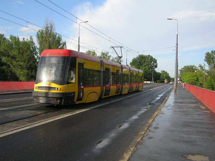 Tramwaj na moście Śląsko-Dąbrowskim