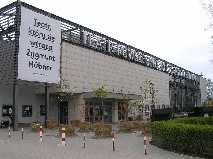 Modlitewny Obóz Rycerski pod Teatrem Powszechnym