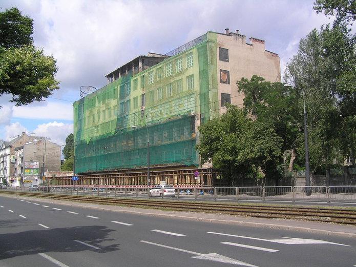 Opuszczony budynek PZO przy Grochowskiej