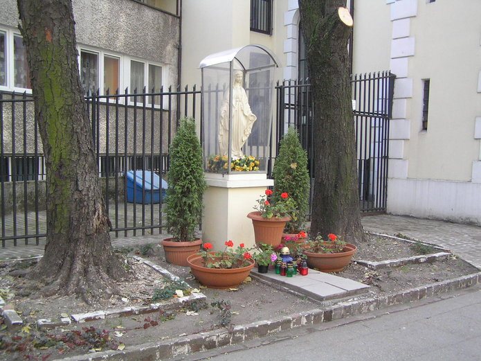 Kapliczka na Skaryszewskej 12