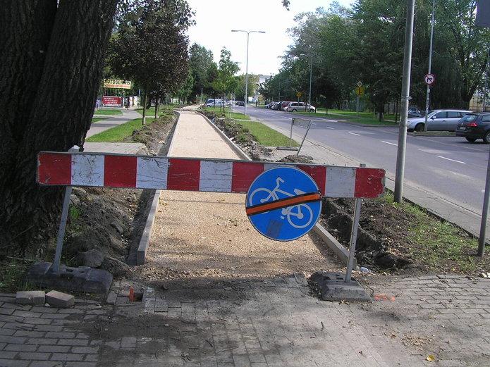 Przebudowa drogi dla rowerów na Szaserów