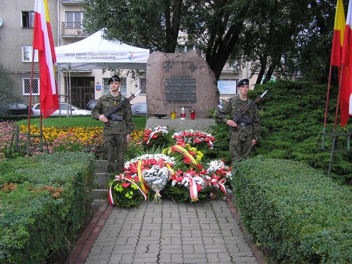 Uroczystości przy pomniku obrony Grochowa 1939