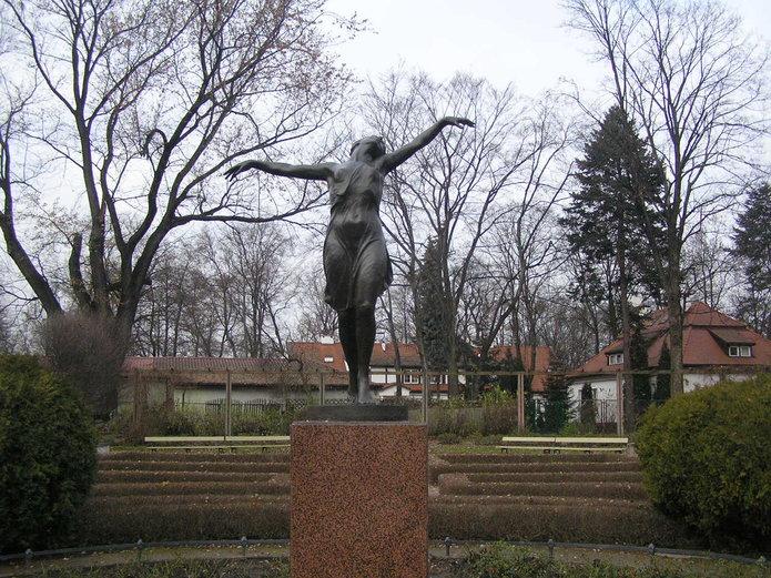 Tancerka wparku Skaryszewskim została odnowiona