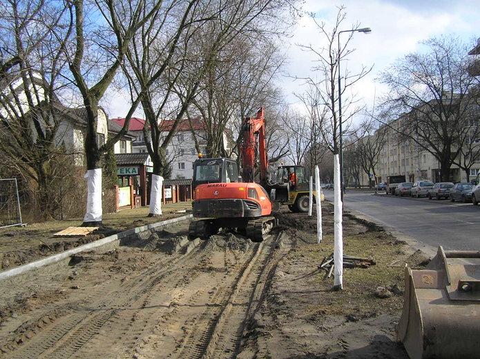 Budowa drogi dla rowerów przy Szaserów